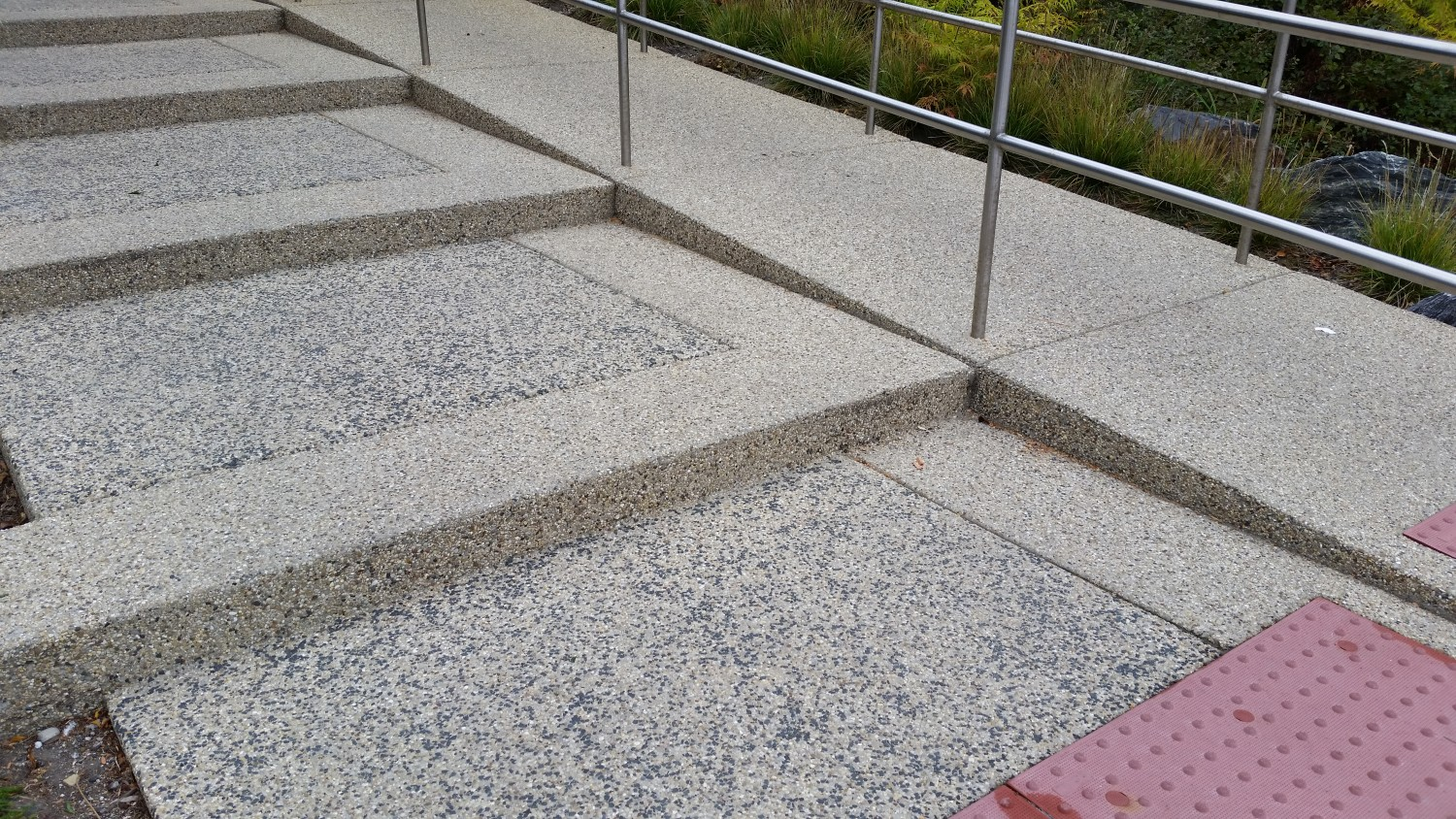 Exposed Aggregate Stairs With Seeded Color And Ramp